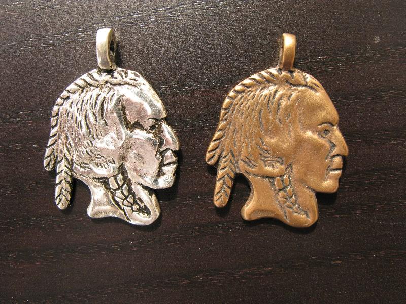 Anhänger Indianer, versilbert & Bronze