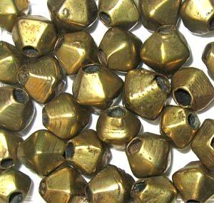 03-Alte Messingperlen groß. 20 Perlen.