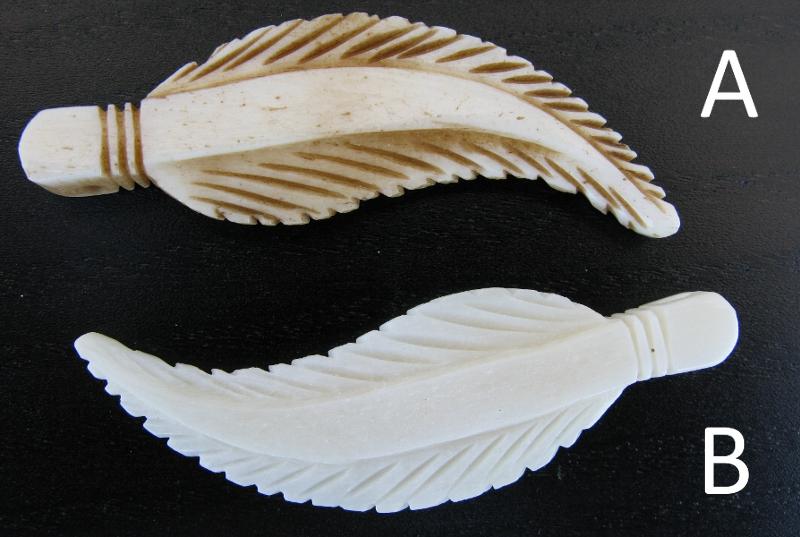 Federn aus Knochen Weiß