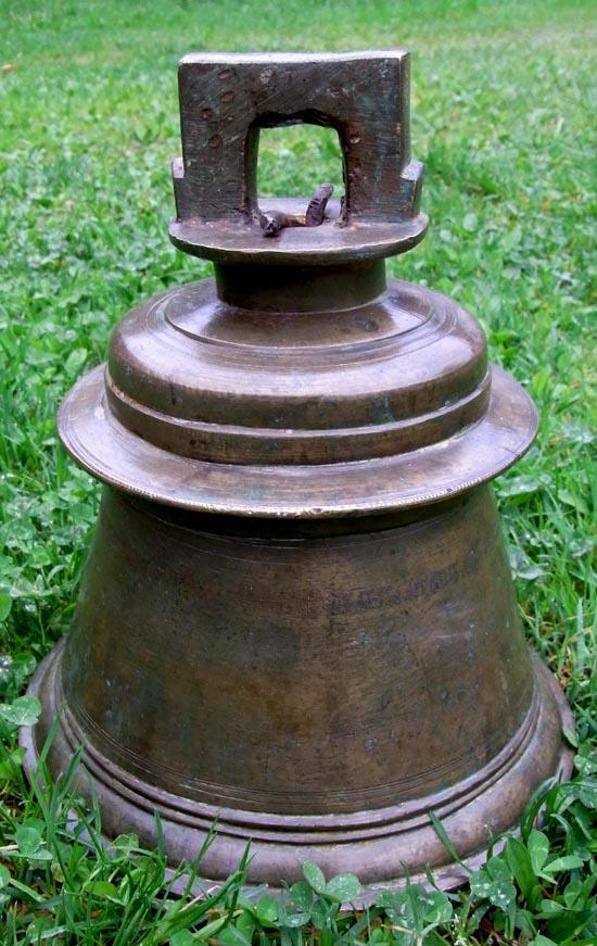 Alte große Glocke / Höhe 29cm