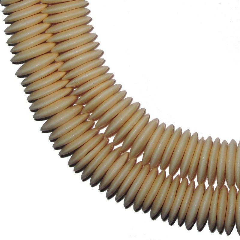 Knochendiskperlen, ø ca. 20mm. 1 Strang.